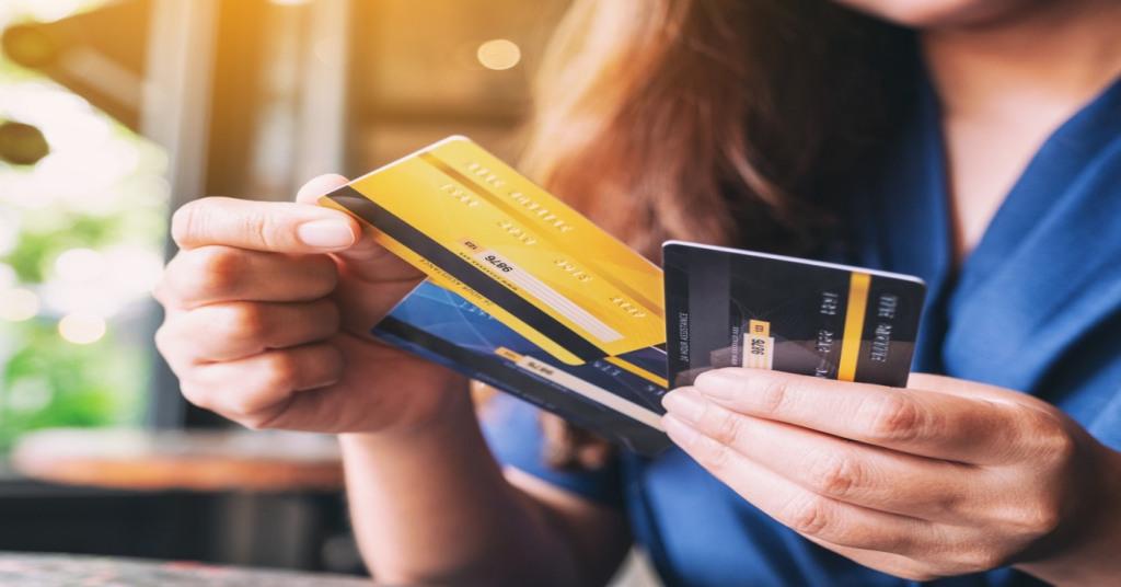 3 cartões de crédito indicados para quem recebe salário mínimo